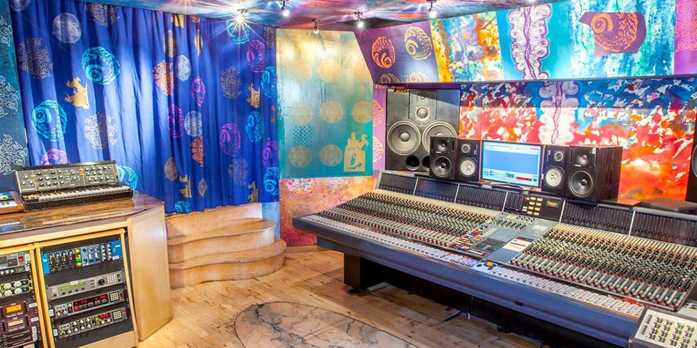 5 Questions with Emma Townsend from Strongroom Studios