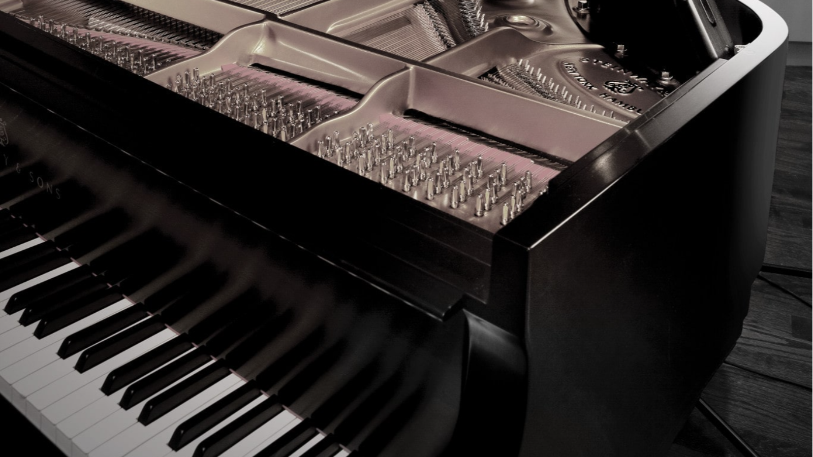 How to Choose the Best Mic for the Pianist