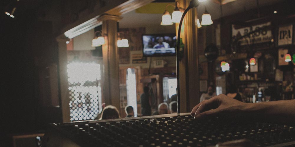 How to Have  a Successful Open Mic Night