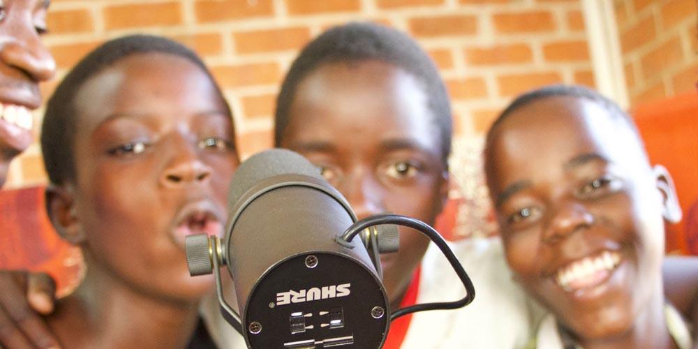 Keith Everette Smith Pays it Forward in Uganda