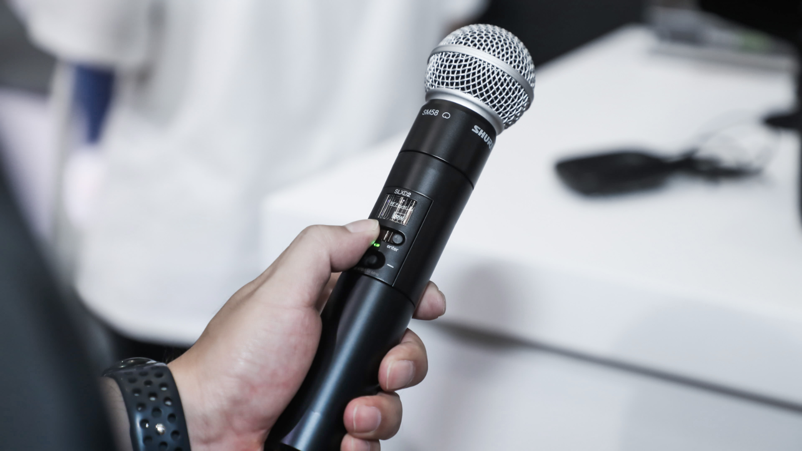Tell Me About:  Wireless Microphone Frequencies