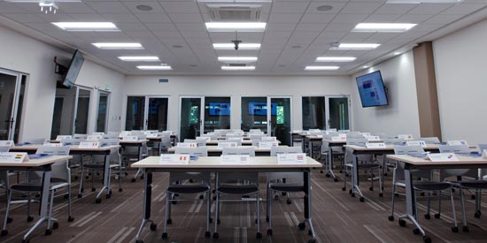 INCAE Business School Relies on Shure MXA910 to Transform Classrooms into Cutting-Edge Spaces