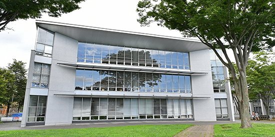 KEIO UNIVERSITY CONTINUES TO INVEST IN ADVANCED TECHNOLOGIES FROM SHURE