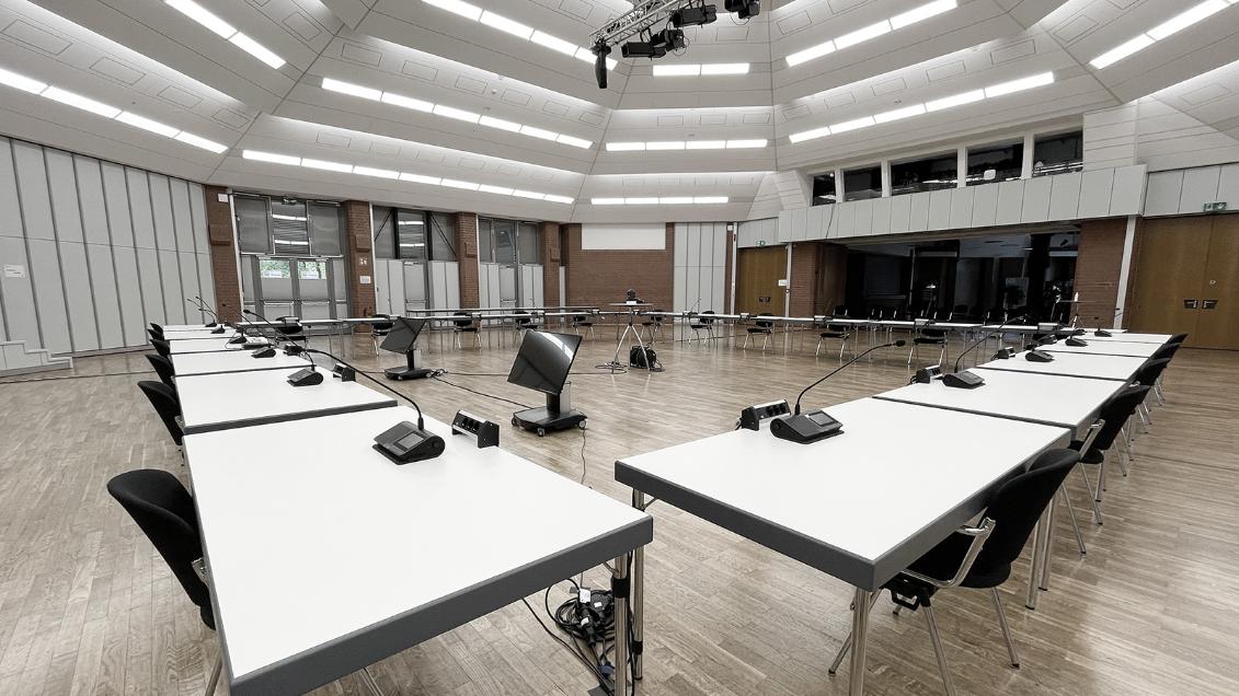 La flexibilité pour l'avenir du numérique – Un système de conférence sans fil Microflex Complete Wireless de Shure au château de Seevetal