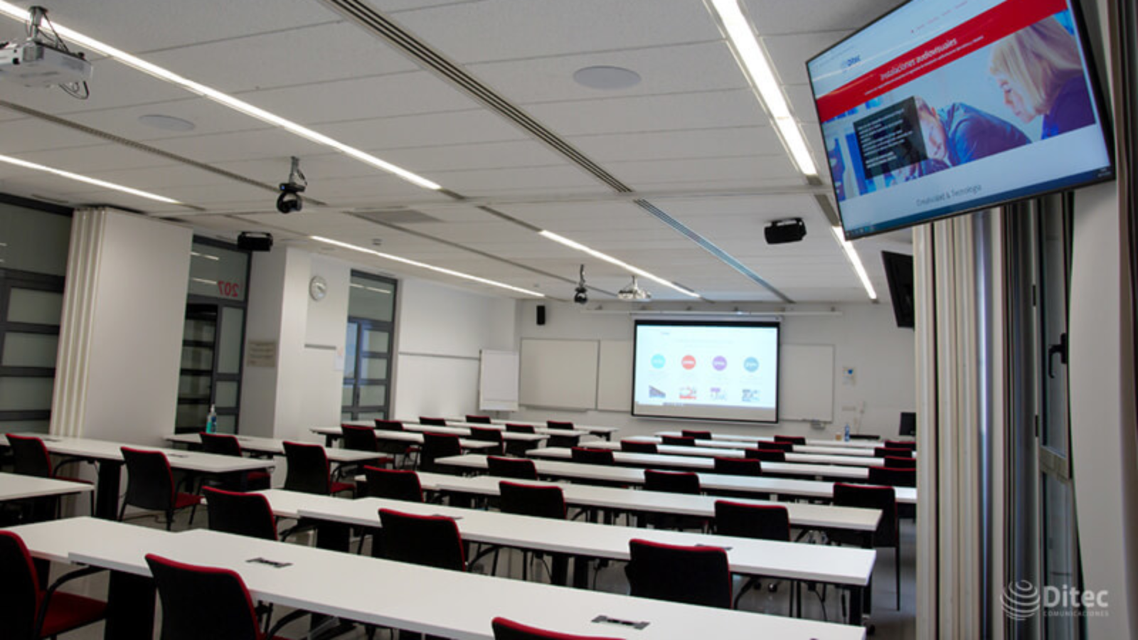 Das Microflex Ecosystem liefert hochwertige Audioqualität für hybrides Lernen an der UPF