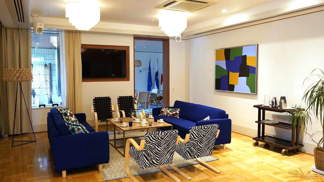 【官公庁】 駐日フィンランド大使館様 | Dante接続に対応したデジタル・ワイヤレスによって、音質と美観の両方を向上 | Microflex Wireless