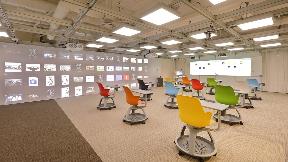 """【企業】 内田洋行様   未来の教室=""""Future Class Room""""で活躍するシーリング・アレイ・マイクロホン   Microflex Advance MXA910、P300"""