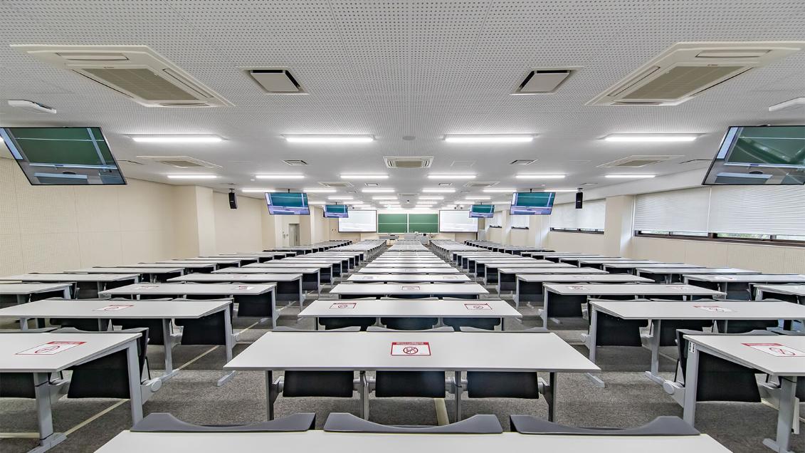 【大学】立命館大学様   コロナ禍で急きょ迫られた遠隔授業対応 実質工程30日で約600教室の環境を構築   MOTIV MVi、P300
