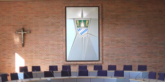 Straubing-Bogen Council Installs DIS DCS 6000 & Shure ULX-D Mic System In Main Debating Chamber