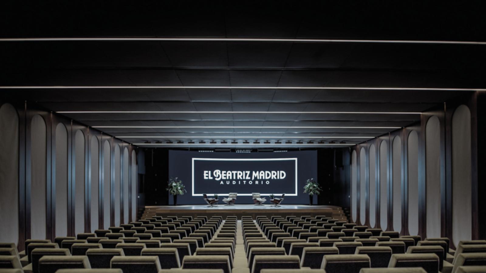 Des systèmes sans fil numériques Shure QLX-D®et Microflex® Complete Wireless modernisent l'auditorium El Beatriz Madrid