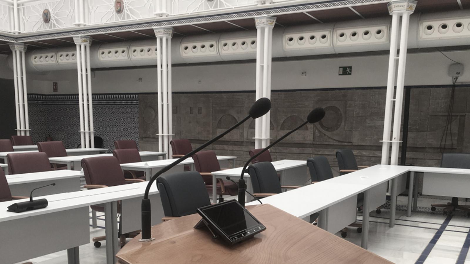 De Regionale Assemblee van Murcia in Spanje Kiest Microflex Complete Wireless ter Ondersteuning van Afstandsmaatregelen