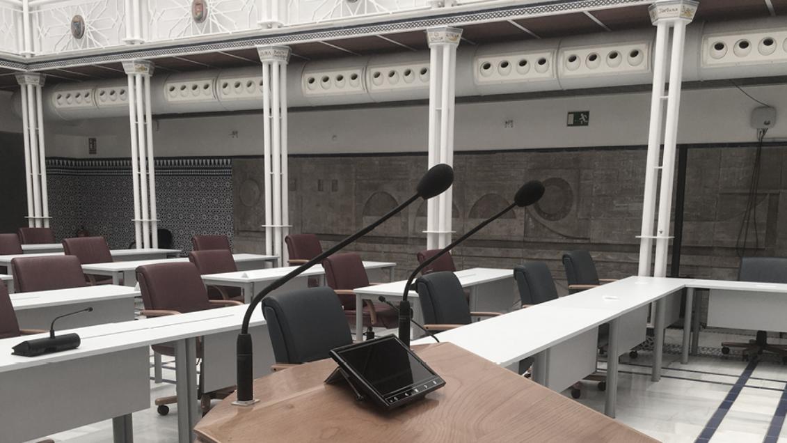 Die Regionalversammlung im Spanischen Murcia wählt Microflex Complete Wireless zur Umsetzung von Social Distancing-Maßnahmen
