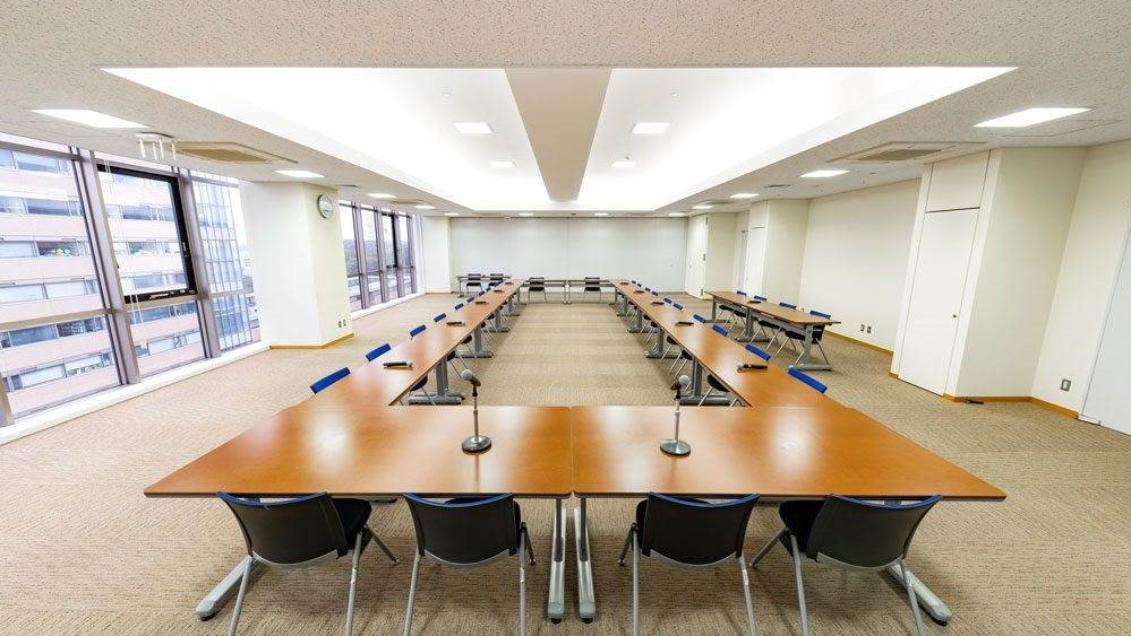 【大学】 明星大学様 | 混信を防ぎ業務負担も改善、クリアな音質の会議システムを実現|ULX-D®