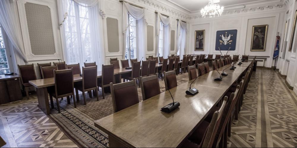 Universiteit van Warschau kiest Microflex Complete Wireless® voor historische Senaatszaal