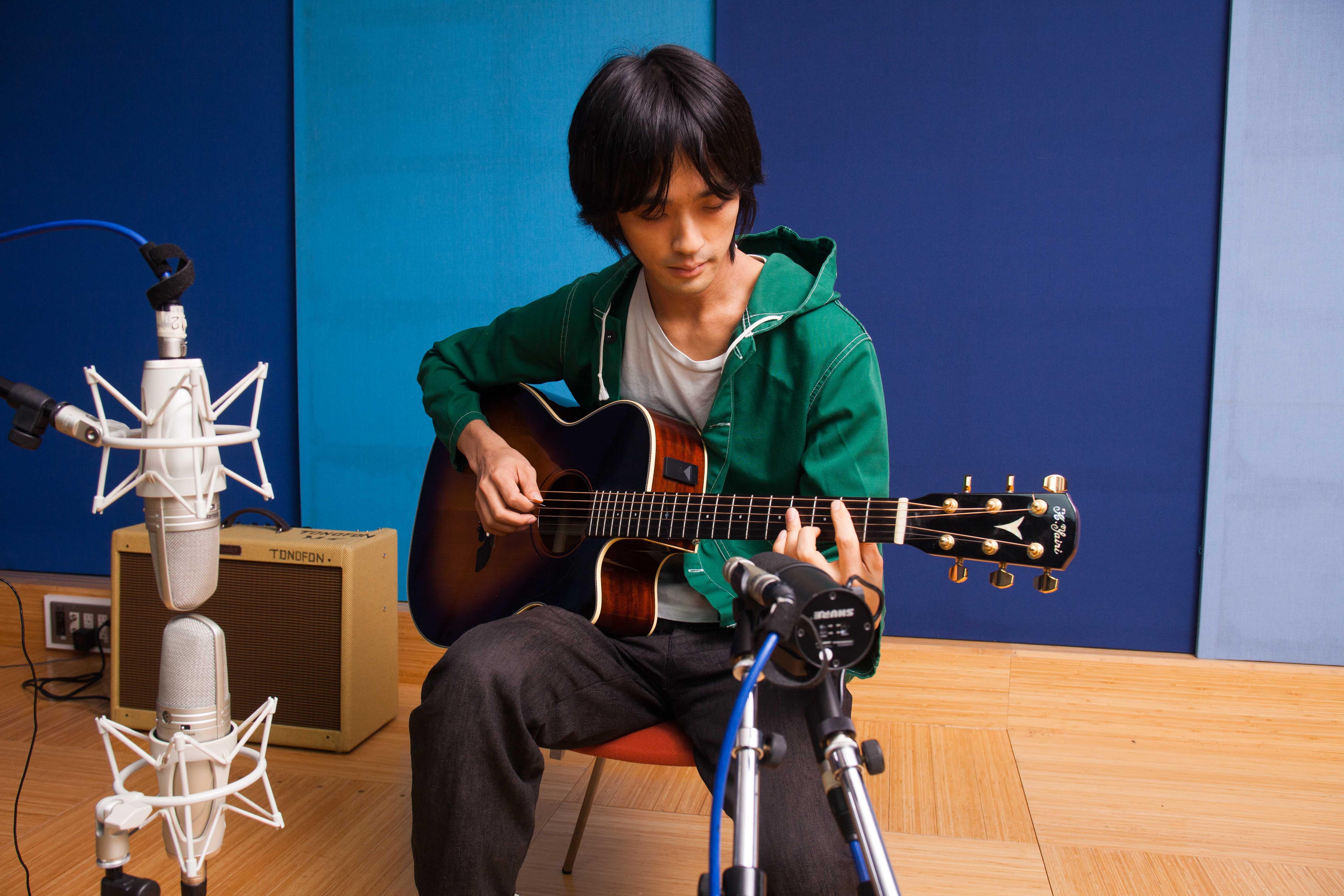 Guitar: KSM44A, KSM137, SM7B