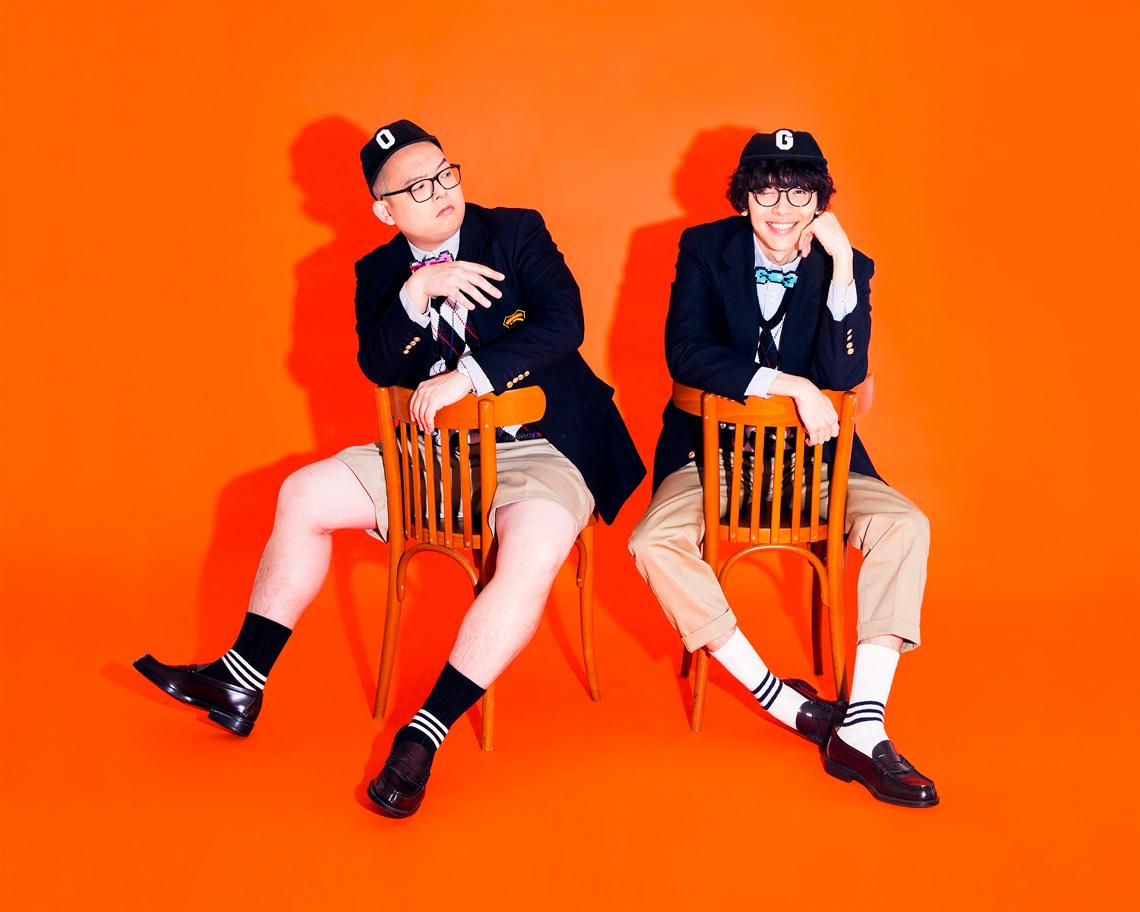 左:斉藤伸也(Vocal,GAYA,Programming)、右:ç