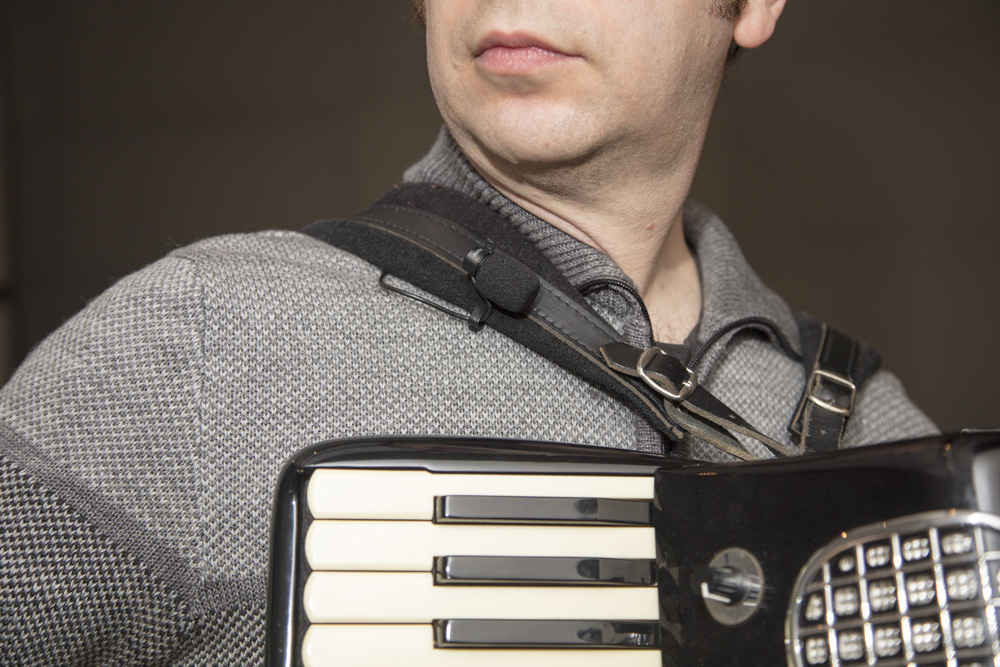 Shure MX185 Microphone on Accordion Shoulder Strap