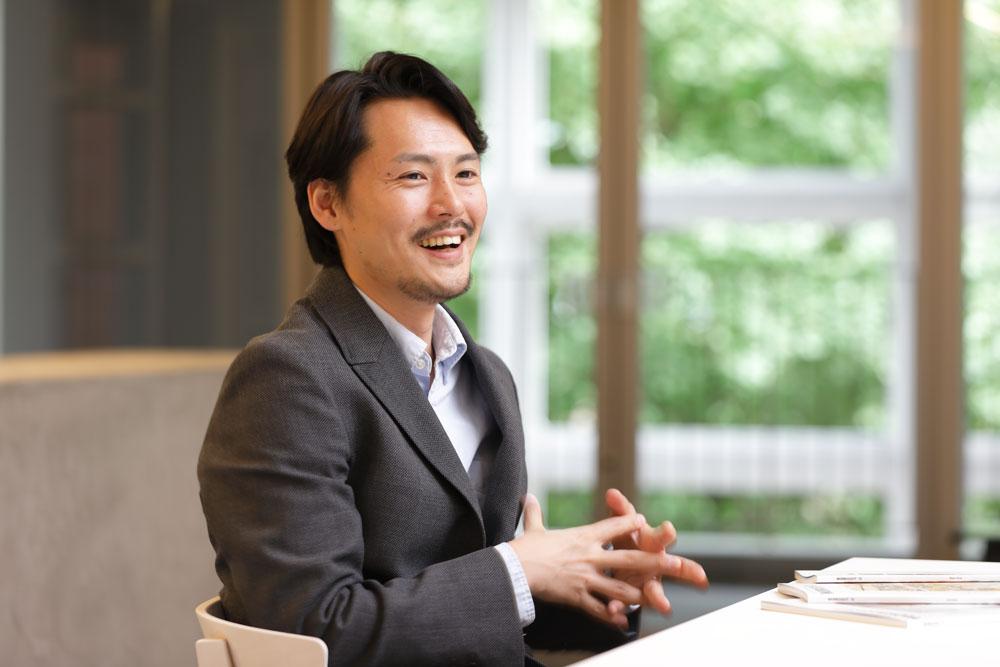 Shotaro Yamashita being interviewed